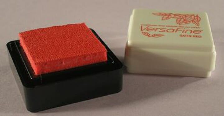 Tsukineko - Satin Red Versafine Small Pad